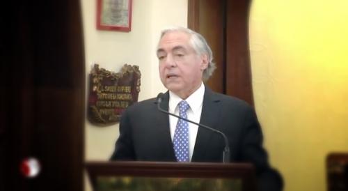 Alejandro Carrillo en el homenaje a Rosario Castellanos