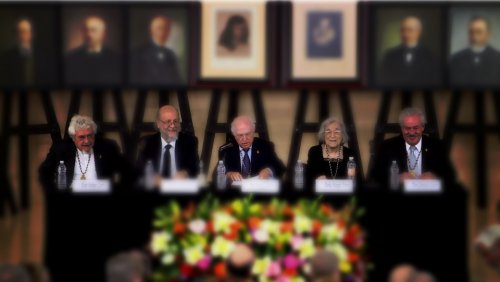 Ceremonia de ingreso de don Aurelio González Pérez