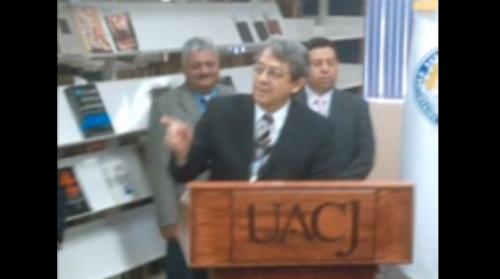 Carlos Montemayor dona su archivo a la UACJ