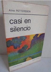 Casi en silencio