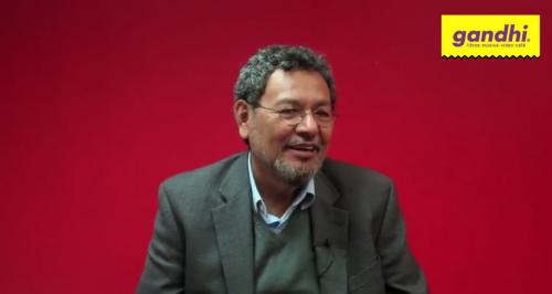 Entrevista a Élmer Mendoza (''Nombre de perro'')