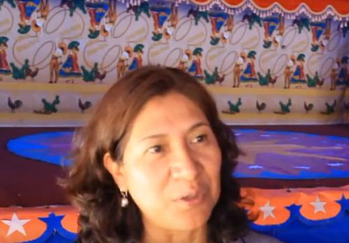 Entrevisté a la autora del libro La Comedia de Muñecos