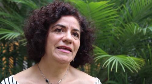 ¿Qué es la escritura?: Silvia Peláez