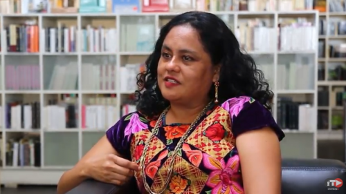 La poeta de Juchitán Natalia Toledo se sube al dorso del cangrejo…y escribe en dos lenguas