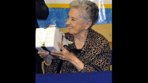 Palabras de doña Emma Peredo viuda de Fuentes Mares